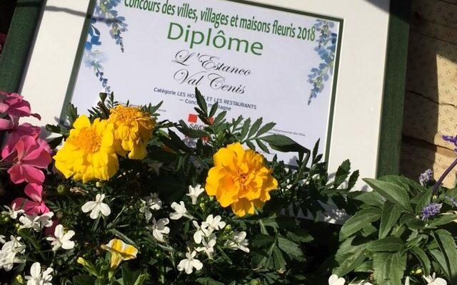 Restaurant l'Estanco Val Cenis Lanslevillard Haute Maurienne Savoie terrasse fleurie