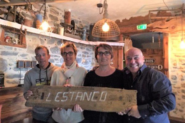 Passation entre passionnés à l'Estanco, « Neige et Olivier succèdent à Béa et Daniel »